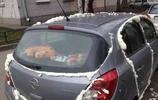 女車主隨意停車去辦事,回來時卻也打不開車門了