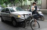 正所謂車子多了,什麼司機都有,最佩服第二個!
