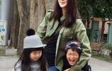 曹格妻子吳速玲,緊身衣爬山好身材盡顯,曹格對她愛得深