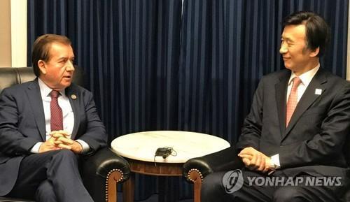 韓外長呼籲國際社會阻止極端分子使用化學武器