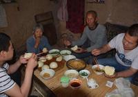 為什麼農村消費低,還有人說農村老人養老難?原因在這