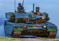 中國坦克十分人性化:有自動擋和方向盤 開起來和家用轎車一樣
