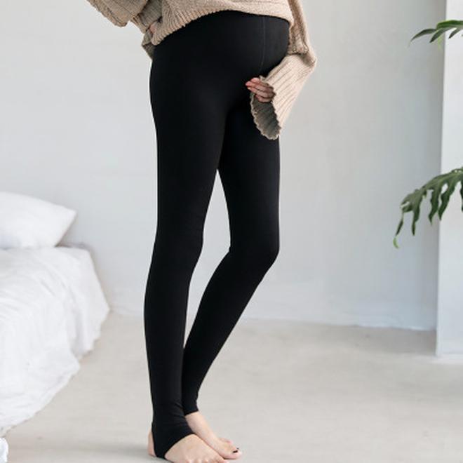 女人過了40歲,別老穿小黑褲,瞧瞧這些打底褲,保暖又洋氣