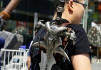 """魔獸世界:有哪些反邏輯的設定,玩家""""我的武器怎麼吸在背上"""""""