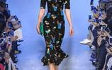 現下流行歐美風印花連衣裙,尤其是包臀裙,落落大方,性感妖嬈