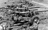 二戰老照片:1943年美軍繳獲的德軍武器,圖1德軍槍支堆積如山!