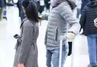 姚晨馬伊琍機場帶孩子,再看看李小璐,網友:這就是差距!