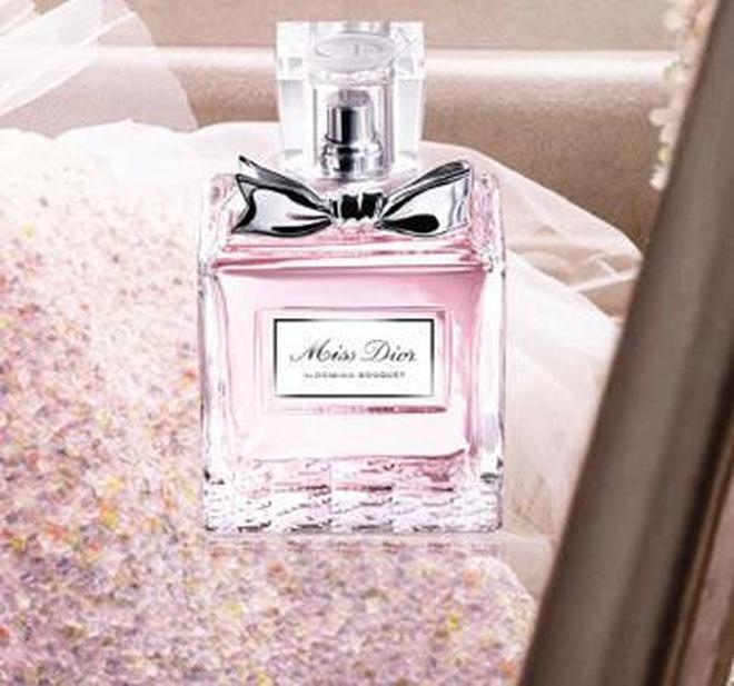 經典女士香水,浪漫不期而遇