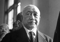 此人本是東北土匪,詐降日本騙來裝備,最後卻一舉搗毀司令部