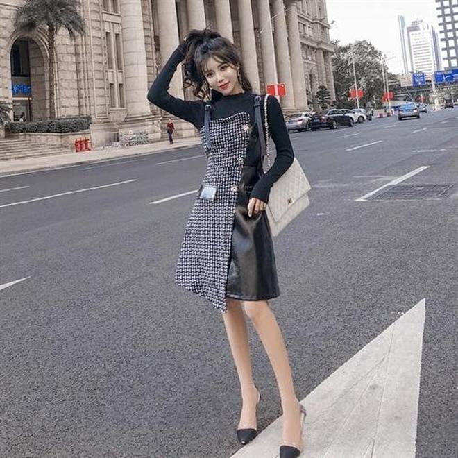 """有一款裙:叫""""揹帶裙"""",配高跟鞋穿,甜美減齡,洋氣不止一點點"""