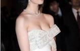 30歲的劉亦菲一改往日風格,大膽著裝,裙子不慎滑落驚壞眾人!