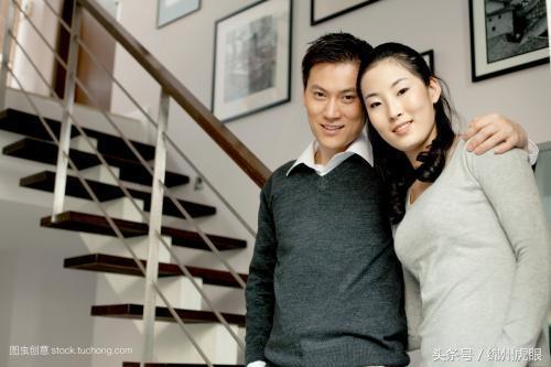 綿陽房產記者娶了開發商的女兒,只有低三下四過日子,為什麼?