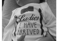 情人節張歆藝順利產子,晒寶寶全身照,並表態要拼二胎