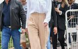 Doutzen白襯衫+長褲帥氣,Toni白襯衫+半裙柔美|歐美明星街拍
