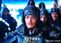 在《新神鵰》郭靖的劇照上,為何從不使兵器的郭靖卻握著一杆槍?