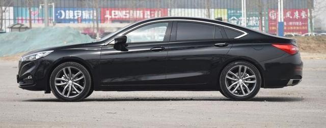"""網友戲稱""""平民豪車""""這款轎跑B級車不足15萬能買嗎?"""