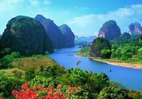 龍虎山,道教福地之一,也是值得一遊的丹霞名山