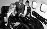 《花花公子》創始人休赫夫納在私人飛機上的那些珍貴鏡頭