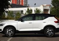 起步8AT帶全景天窗,最便宜的沃爾沃SUV,滿足國六,僅26.48萬
