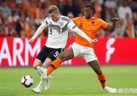 3月25歐預賽荷蘭隊迎戰德國隊。兩支在國內擁有龐大球迷數量的球隊,你更看好誰?