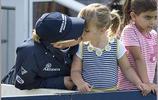 英國安妮公主外孫女Mia小公主,比凱特王妃的夏洛蒂公主如何