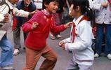 日本人拍的老照片:圖3的遊戲80後都會玩,圖6的小吃你吃過嗎