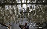 重慶:趕製苕粉過大年