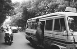 老照片:1979年北京街景,人比車多,也會出現交通擁堵