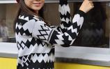 22歲河南女孩模樣清純,常有人來她的滷肉店圍觀,因此生意興隆