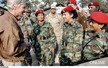 英姿颯爽的巴勒斯坦女軍人