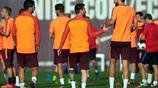 巴塞羅那備戰訓練 梅西和皮克的身高差太萌了