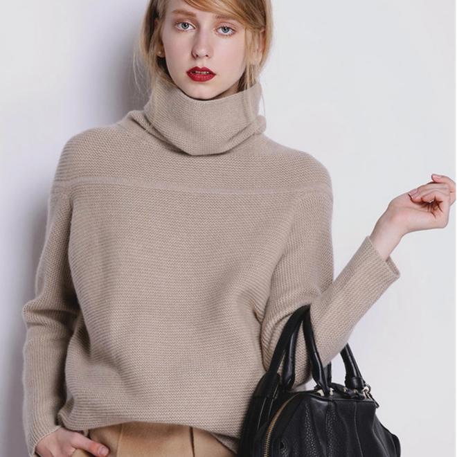 到了歐洲才發現,女人大衣裡面搭羊絨,實在是高級又美麗