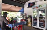 最近手頭緊,帶媳婦去吃泰國街邊攤!倆人花了25元,吃的還挺飽!