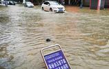 """廣西來賓遭遇暴雨襲擊 縣城街道開車如""""開船"""""""