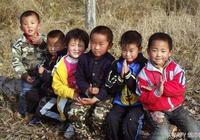 故事:孤兒吃百家飯,穿百家衣,長大後帶領全村走上致富路