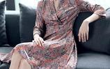 洋氣減齡連衣裙讓你輕鬆顯年輕,遮肉還拉高身形,把160穿出了170