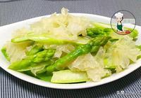 這兩樣素菜一起炒,清口爽脆,還清腸排毒,女人多吃美白又潤膚