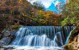 風景圖集:四川巴中光霧山,秋水如畫,漫山遍野的紅葉如火如荼