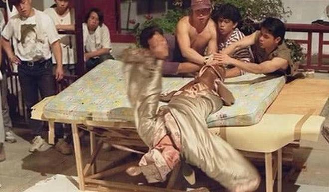 原來當年周星馳《唐伯虎點秋香》中的經典鏡頭,是這樣拍出來的!