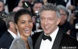 53歲法國男星娶小30歲嬌妻,攜手亮相戛納恩愛指數超鞏俐