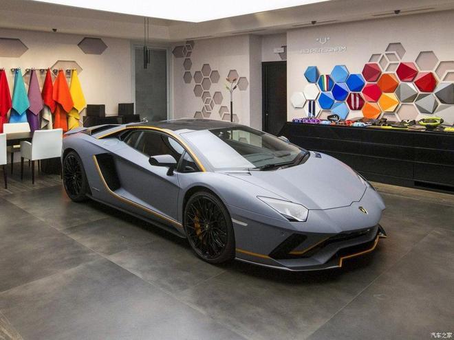 汽車圖集:蘭博基尼Aventador