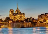 """雨果《巴黎聖母院》:一個""""鐘樓怪人""""的偉大愛情"""