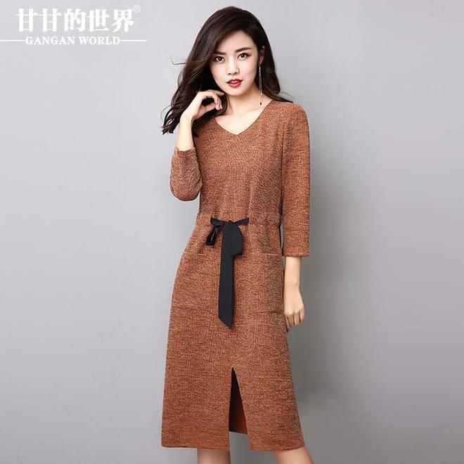 女人出門老舊的上衣別穿了,穿這樣的連衣裙出街,比T恤還好穿