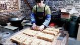 廣西桂林興坪老街美食,松花糖,一座千年老街裡的甜蜜味道