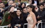 佩內洛普克魯茲參加國際電影節,穿著暴露,模特視感