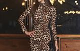 終於等到剛上新的連衣裙,連衣裙顯瘦保暖又洋氣,誰穿誰好看