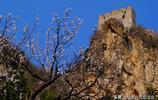 緊鄰慕田峪的響水湖長城有一處保存完好的明代萬曆年間摩崖石刻