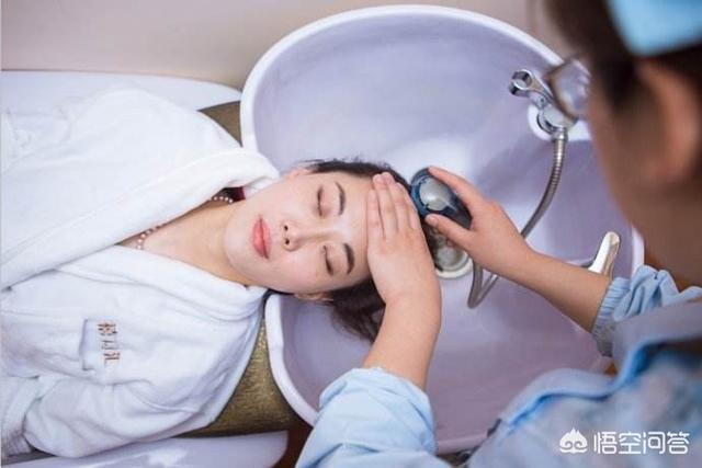 月子裡洗澡、洗頭的女性,後來真的落病根了嗎?