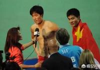 中國女排擊敗荷蘭隊,賽後央視記者拋出奇葩提問兩次遭到郎平反駁,你怎麼看?