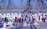 """這才像冬天!哈爾濱江上打造""""雪人世界"""",南方人有沒有羨慕?"""